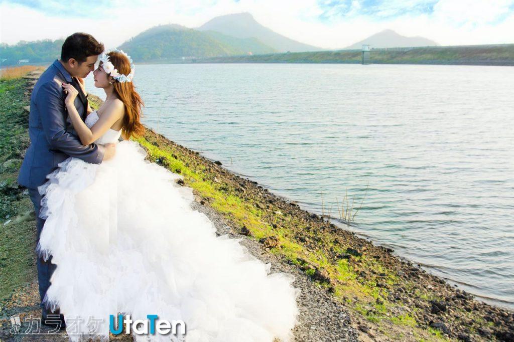結婚式 余興 歌 盛り上がる 定番