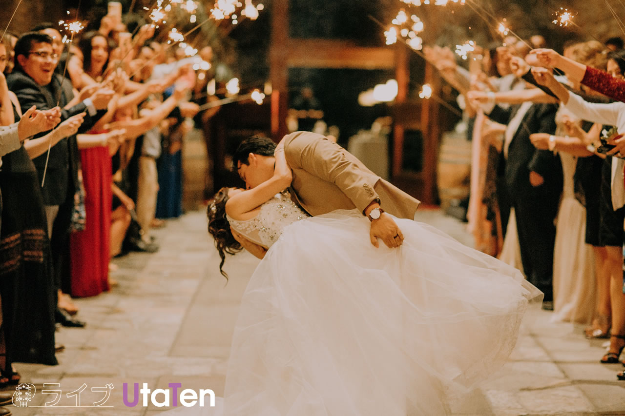 結婚式や余興で演奏