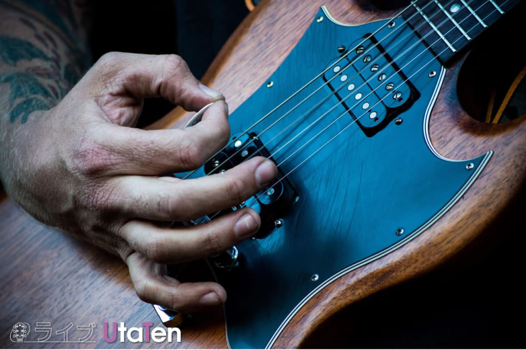 ギターピック厚み特徴