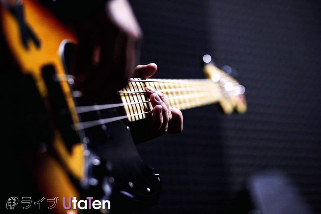 ギター ベース どっち 難しい