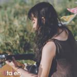 かわいい ギター 女子