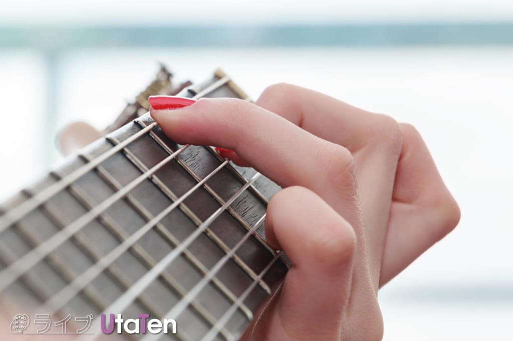 最初 おぼえる ギターコード