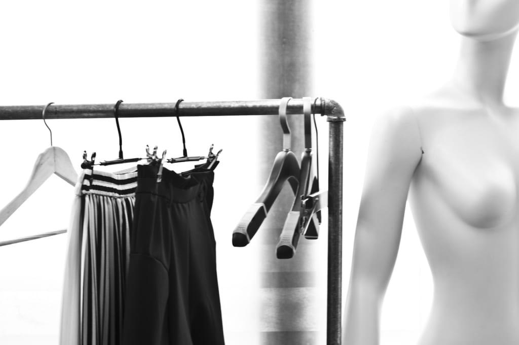 ライブ 服装 スカート 取り入れる 方法
